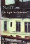 """Couverture du livre : """"Un léger déplacement"""""""